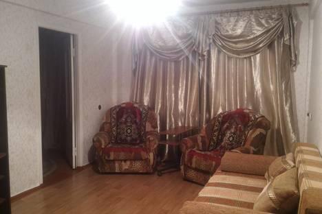 Сдается 3-комнатная квартира посуточно в Ангарске, 6 микрорайон дом 13-13а.