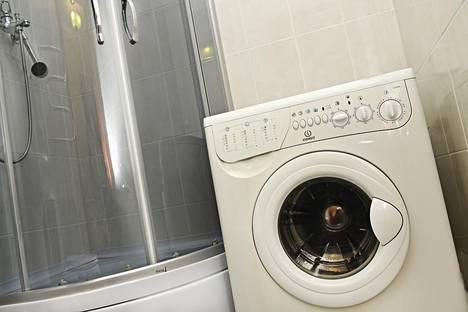 Сдается 2-комнатная квартира посуточно в Караганде, ул. Толепова, 4.