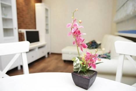 Сдается 2-комнатная квартира посуточно в Караганде, Бульвар Мира, 8.