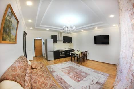 Сдается 2-комнатная квартира посуточно в Алматы, Каблукова 38г.
