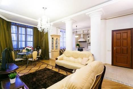 Сдается 4-комнатная квартира посуточно в Минске, Карла маркса 21.