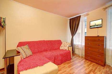 Сдается 1-комнатная квартира посуточнов Санкт-Петербурге, переулок Апраксин, 3.