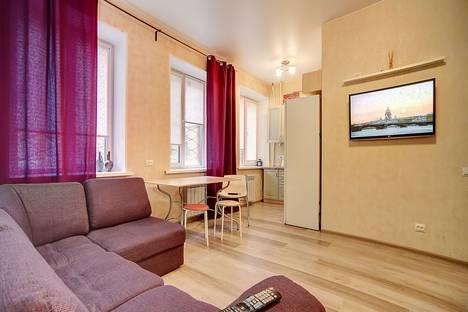 Сдается 2-комнатная квартира посуточно в Санкт-Петербурге, ул. Достоевского, 12.
