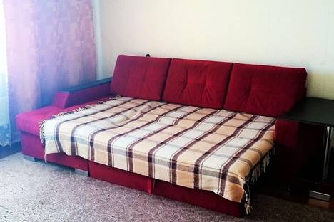 Сдается 2-комнатная квартира посуточнов Лесосибирске, 7 микрорайон 27.