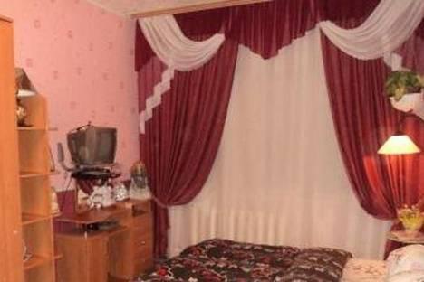 Сдается 1-комнатная квартира посуточно в Кировске, ул. Олимпийская, 49.