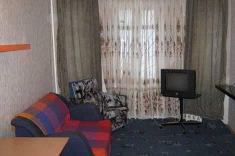 Сдается 3-комнатная квартира посуточно в Кировске, ул. Парковая, 9.