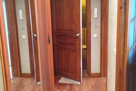 Сдается 3-комнатная квартира посуточно в Балакове, ул. Свердлова, 31.