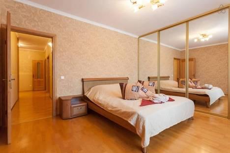 Сдается 2-комнатная квартира посуточно в Калининграде, Артиллерийская ул, 63.