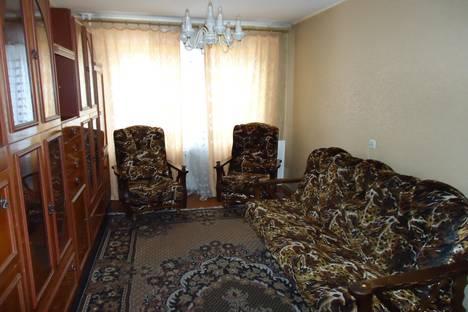 Сдается 3-комнатная квартира посуточно в Барнауле, Папанинцев ,121.