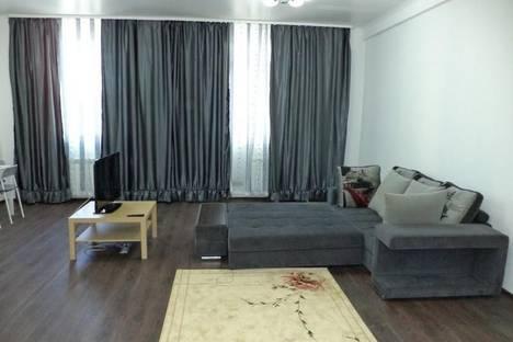 Сдается 1-комнатная квартира посуточно в Нижневартовске, ул. Нефтяников, 44.