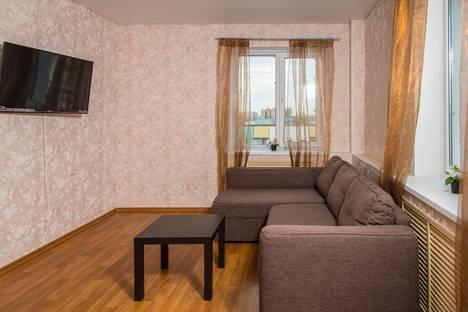 Сдается 2-комнатная квартира посуточно в Казани, Чистопольская 61б.