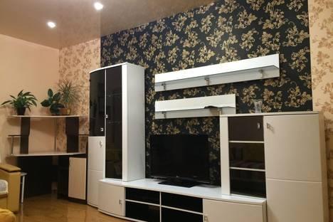 Сдается 2-комнатная квартира посуточнов Кызыле, ул. Ооржака Лопсанчапа, 13.