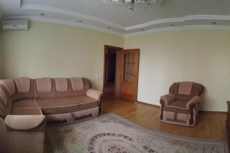 Сдается 2-комнатная квартира посуточно в Алматы, Бальзака 8Д.