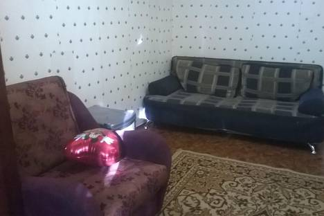 Сдается 1-комнатная квартира посуточнов Нефтеюганске, киевская 19.