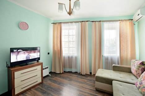 Сдается 3-комнатная квартира посуточно во Владивостоке, ул. Адмирала Фокина, 19.