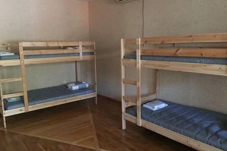 Сдается 4-комнатная квартира посуточно в Новочеркасске, площадь Левски, 14.