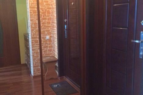 Сдается 1-комнатная квартира посуточно в Братске, 40 лет Победы, 12.