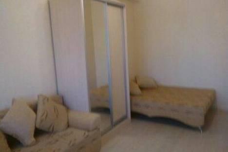 Сдается 1-комнатная квартира посуточно в Сочи, ул. Демократическая, 66.