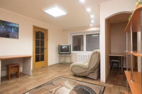 Сдается 2-комнатная квартира посуточнов Челябинске, ул. Володарского, 28.