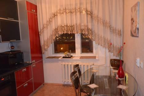 Сдается 2-комнатная квартира посуточно в Нижневартовске, Нововартовская, 8.