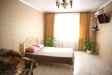 Сдается 1-комнатная квартира посуточно, ул. им Селезнева, 4Б.
