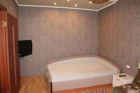 Сдается 1-комнатная квартира посуточно в Кировске, Олипийская 89.