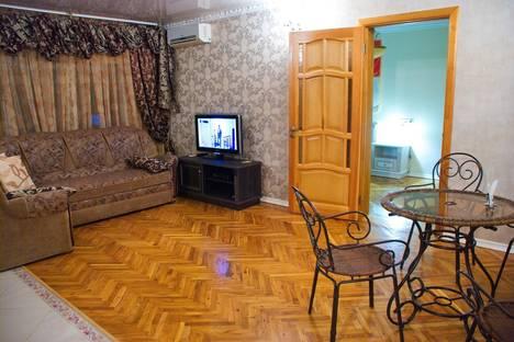 Сдается 3-комнатная квартира посуточно в Краснодаре, ул. им Воровского, дом 188. Евро трехкомнатная квартира.