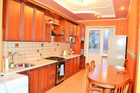 Сдается 3-комнатная квартира посуточно в Костроме, Войкова, 41.
