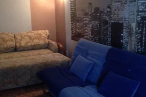 Сдается 2-комнатная квартира посуточно в Биробиджане, Ул. Чапаева, 8.