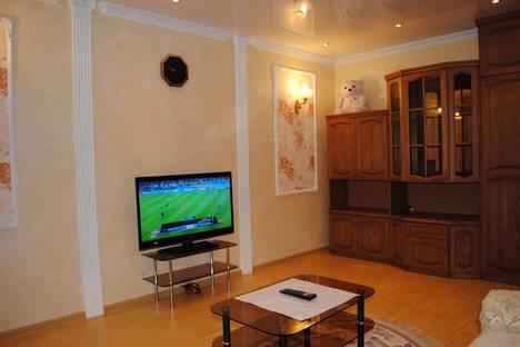 Сдается 2-комнатная квартира посуточно в Череповце, Советский проспект, 116.