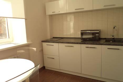 Сдается 3-комнатная квартира посуточно в Воткинске, ул. Мира, 17-21.