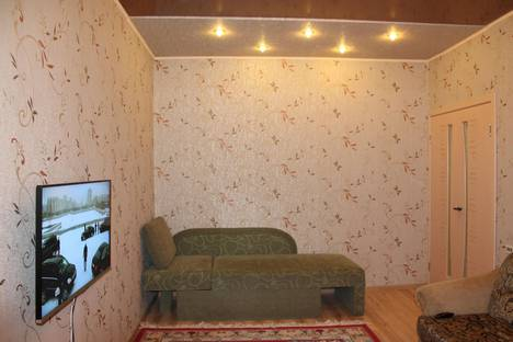Сдается 2-комнатная квартира посуточно в Кировске, Олимпийская 89.