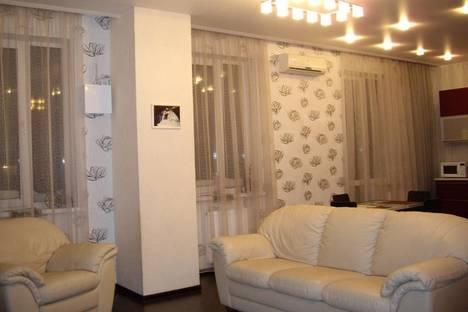 Сдается 3-комнатная квартира посуточнов Новосибирске, ул. Семьи Шамшиных, 16.