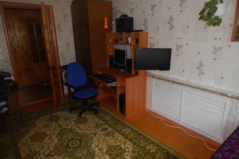 Сдается 2-комнатная квартира посуточнов Великом Устюге, Федота Попова д.1а,кв.5.