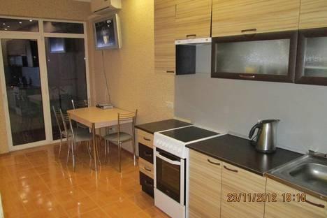 Сдается 1-комнатная квартира посуточнов Сочи, ул. Горького, 87.