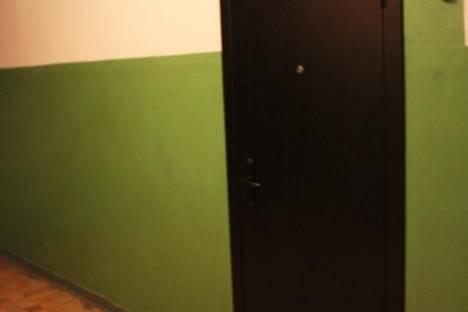 Сдается 2-комнатная квартира посуточно в Кирове, лепсе 2.