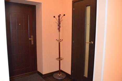 Сдается 2-комнатная квартира посуточно в Череповце, ул. Годовикова, 19.
