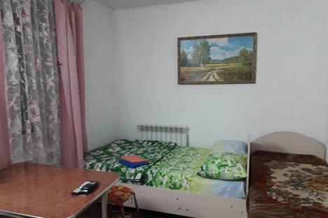 Сдается 2-комнатная квартира посуточно в Вольске, ул. Коммунистическая, 34-6.