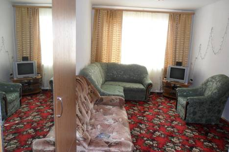 Сдается 2-комнатная квартира посуточно в Вольске, переулок Саратовский 1-й, 2/8.
