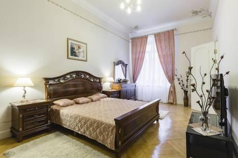Сдается 2-комнатная квартира посуточно в Санкт-Петербурге, Б.Конюшенная 19/8.