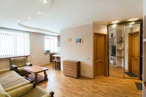Сдается 2-комнатная квартира посуточно, Ленинградский проспект, 23.