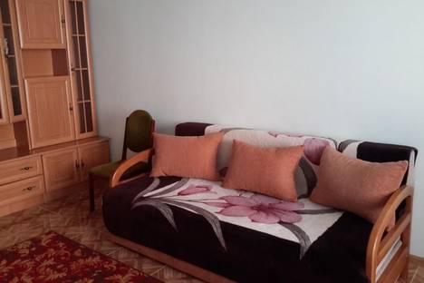 Сдается 2-комнатная квартира посуточно в Саки, Советская /32.