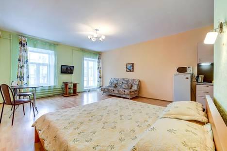 Сдается 1-комнатная квартира посуточнов Петергофе, Невский проспект, 74-76Т.