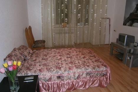 Сдается 1-комнатная квартира посуточно, Пятигорск, улица Козлова, 5.