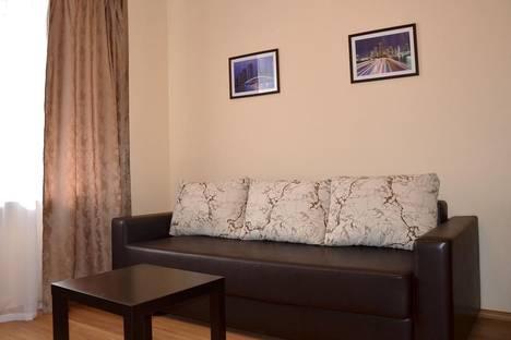Сдается 1-комнатная квартира посуточно в Архангельске, ул. Воскресенская, 15.