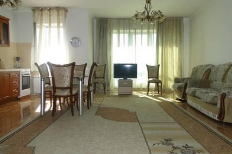 Сдается 2-комнатная квартира посуточно в Алматы, мкр Самал-2, Достык 97б.
