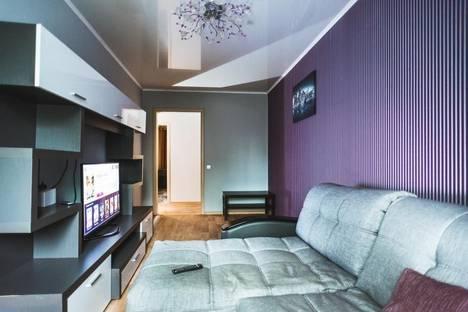 Сдается 2-комнатная квартира посуточно в Тольятти, Ленинский проспект, д. 15.