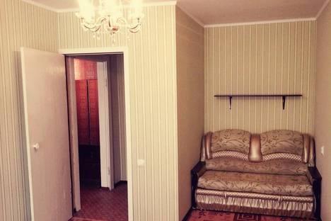 Сдается 2-комнатная квартира посуточно в Кировске, Ленинградская, 18.