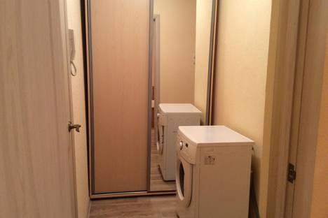 Сдается 1-комнатная квартира посуточно в Усть-Илимске, ул. Ленина, 1.