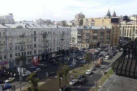 Сдается 3-комнатная квартира посуточнов Киеве, Бассейная 17.